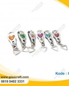 Souvenir Gunting Kuku Love GT2