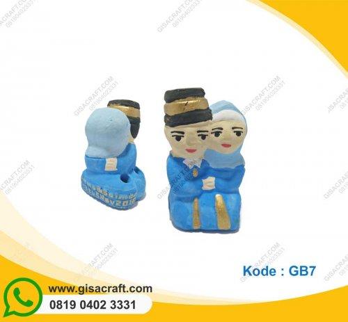 Souvenir Gerabah Tempat Pensil Pengantin Muslim GB7