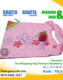 Souvenir Tas Shopping Bag Parasut Strawberry TSL6