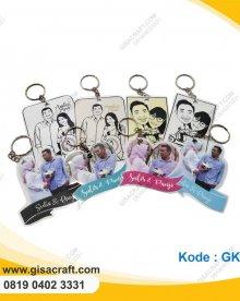 Souvenir Gantungan Kunci Foto Pengantin GK56