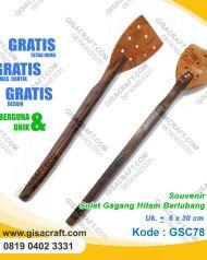 Souvenir Solet Gagang Hitam Berlubang GSC78